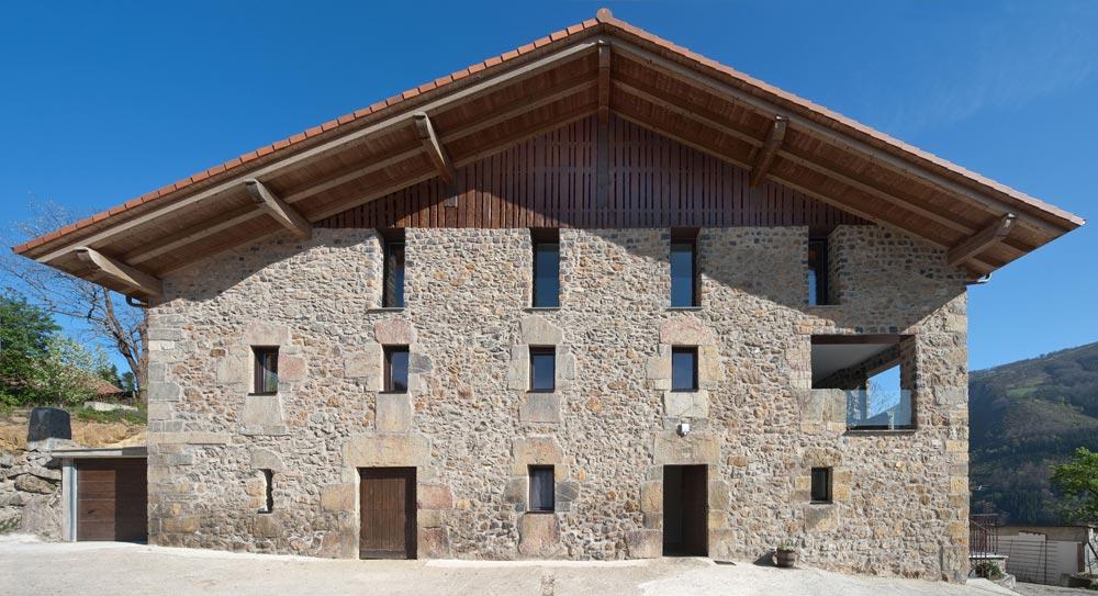 Arquitectos en Navarra y País Vasco. Abbark Arkitektura - Caserío Errezil